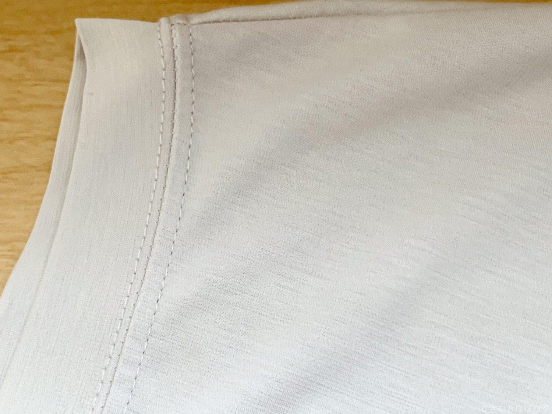 骨格ストレートのために作ったブラウスTシャツ 縫製部分アップ