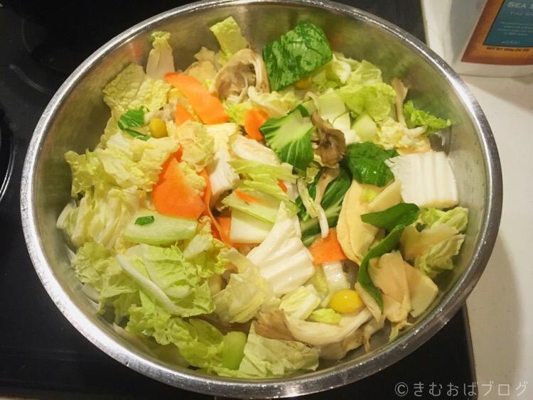 コープデリミールキット八宝菜 炒めているところ