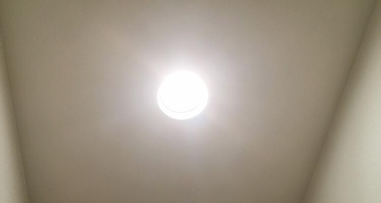 ドウシシャ人感センサー付きライト点灯時