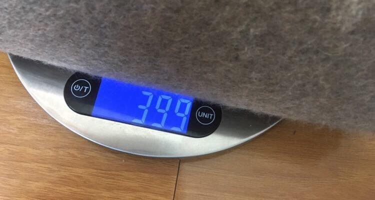 エドワードブラウン カシミヤストール重量は399g