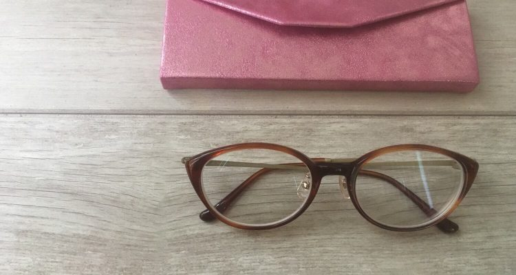 JINS 40代に似合うメガネ 美STコラボ フォックス型ブラウン